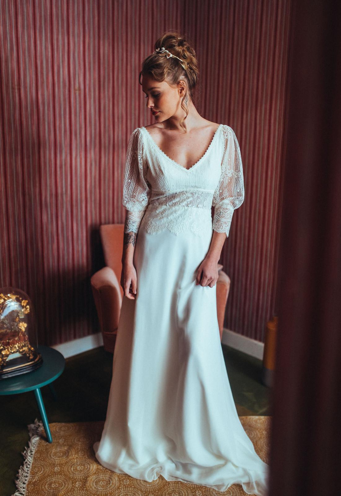 Robe de mariée rétro Chloé Elsa Gary, fluide. Caralys Mariage Nice 06