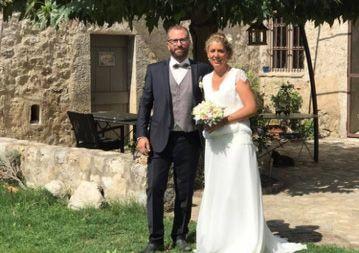 """Audrey et David: Mariage le 2 Septembre 2017 avec la robe Malia et un costume+gilet sur mesure."""" Bonjour Gabriella, nos tenues ont fait sensation, c'était parfait! Merci pour tout.""""Audrey & David"""