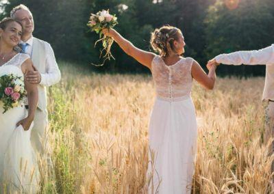 """Carine : Mariage le 8 Juillet 2017 avec le modèle Funny. """"La robe a eu un franc succès pour notre mariage champêtre. Merci pour votre gentillesse et votre professionnalisme."""