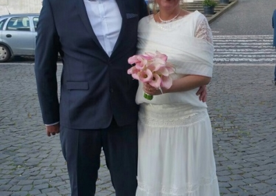 """Valeria : mariage le 29 Avril 2017 en Italie avec la robe Caramie.""""Gabriella a été très attentive à mes goûts et besoins. Source de conseils précieux, elle a été indispensable pour le choix de ma robe de mariée de laquelle je suis fière. Je ne pouvais pas trouver mieux. Merci.""""Valeria"""
