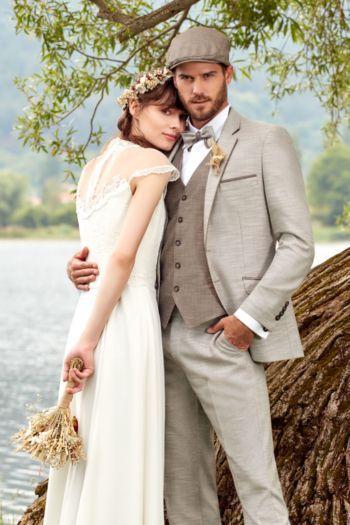 Costume de marié 5 pièces beige